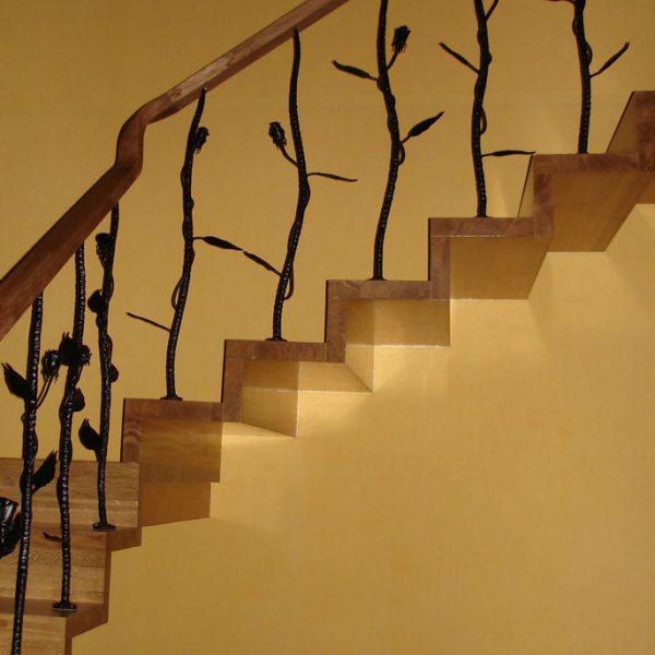Mediniai laiptai - Modelis 01
