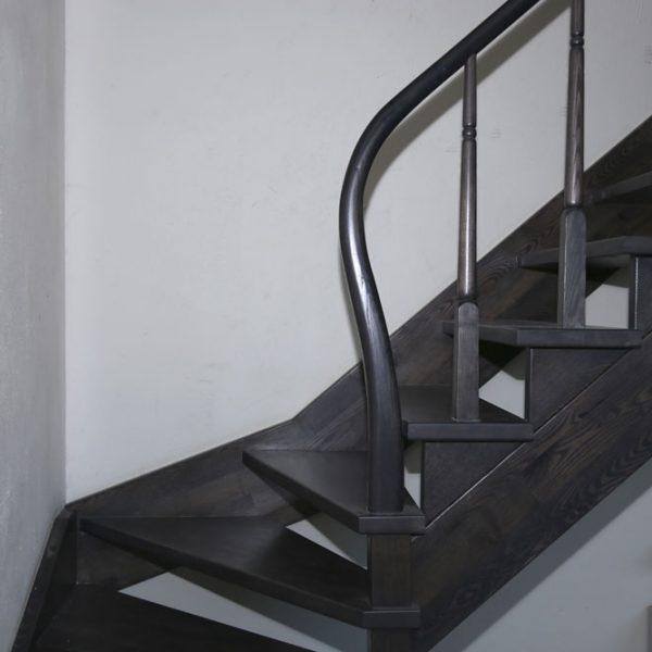 Mediniai laiptai - Modelis 11