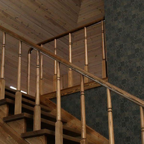 Mediniai laiptai - Modelis 12
