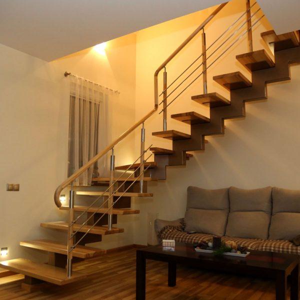 Mediniai laiptai - Modelis 14