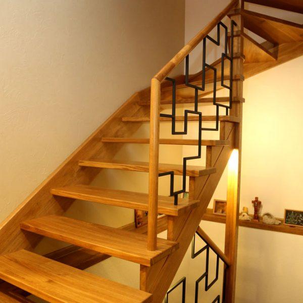 Mediniai laiptai - Modelis 15