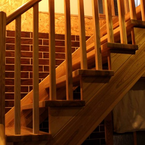Mediniai laiptai - Modelis 16